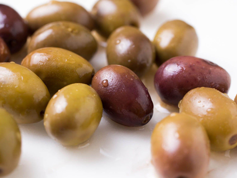 20140910-olives-vicky-wasik-12-taggiasca.jpg