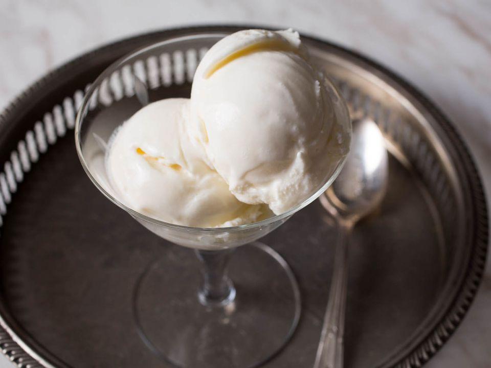 20141209-philadelphia-style-ice-cream-vicky-wasik-6.jpg