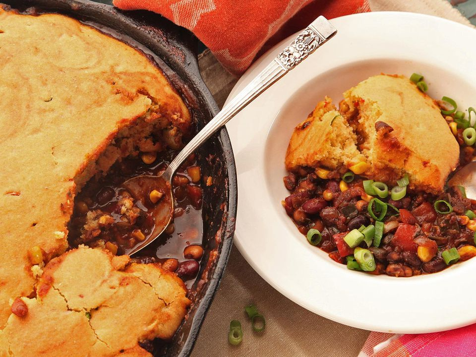 20150207-vegan-tamale-pie-chili-cornbread-crust-recipe-9.jpg