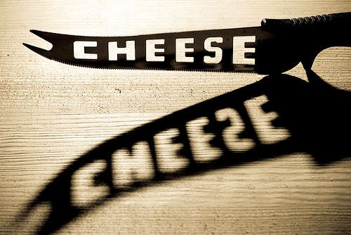20090602-cheeseknives.jpg