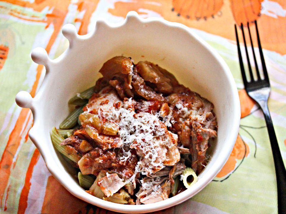 Serious-Eats-Slow-Cooker-Tomato-Fennel-Braised-Pork-Shoulder-Jennifer-Olvera.jpg