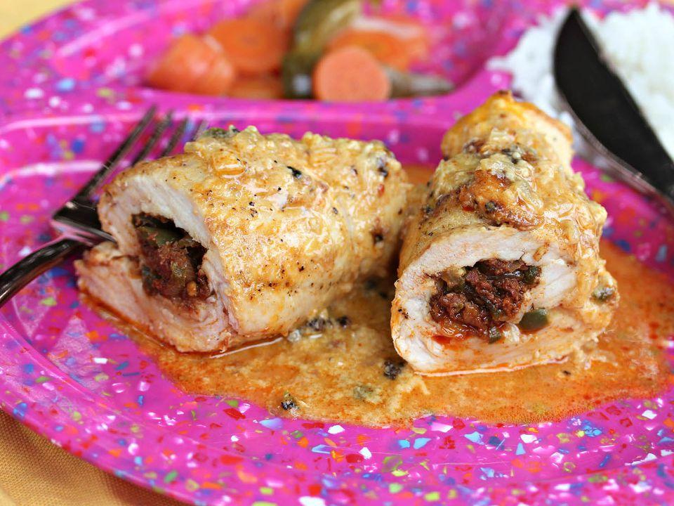 20140817-Chorizo-Stuffed-Chicken-Queso-Sauce-Jennifer-Olvera.jpg