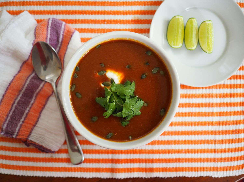 20141016-mexican-butternut-squash-soup-daniel-gritzer4.jpg