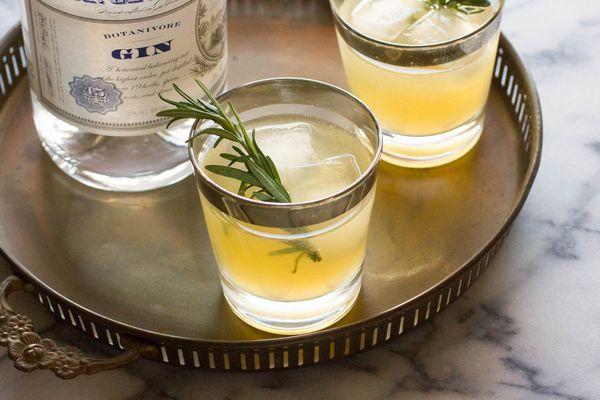 20141110-autumn-giles-gin-charred-lemon-drink.jpg