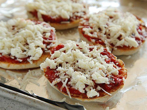 20131020-english-muffin-pizza-12.jpg
