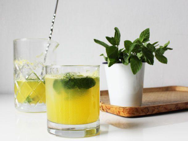 20120116-237234-orange-rosewater-mint-sparkler-table.jpg