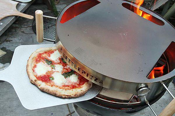 20130926-kettle-pizza-baking-steel-new-06.jpg