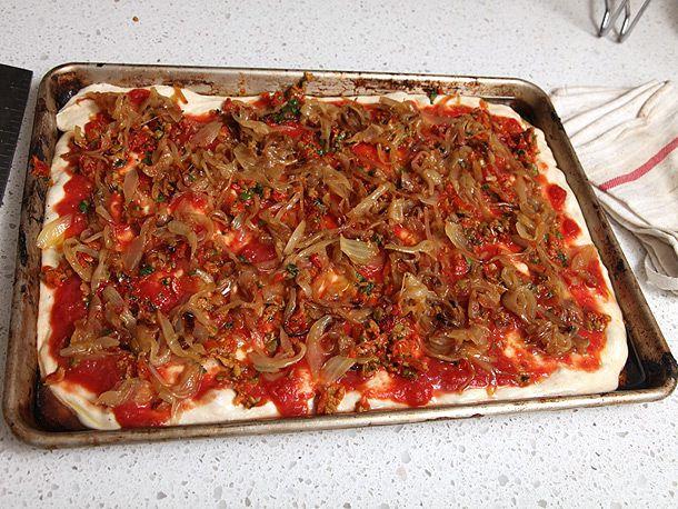 20120206-vegan-pizza-potatoes-zucchini-02.jpg