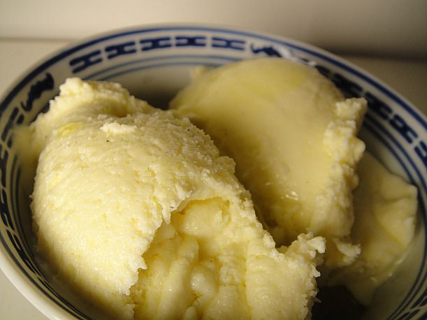 A bowl of olive oil gelato.