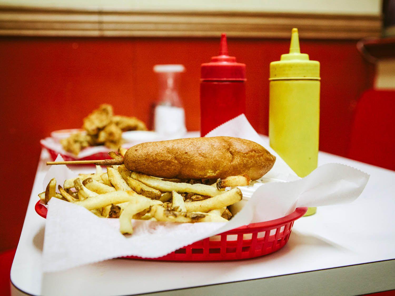 20150318-mustard-and-dreams-wiener-and-still-champion-aubrey-boonstra-34.jpg