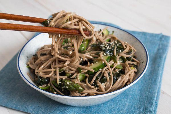 20150605-seaweed-pasta-salad-daniel-gritzer-13.jpg