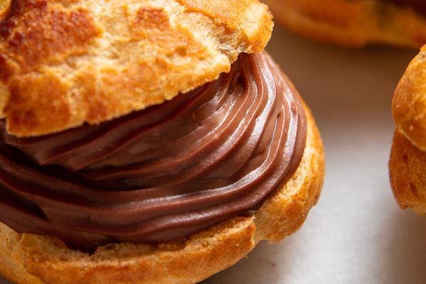 20201210-chocolate-pastry-cream-vicky-wasik-14