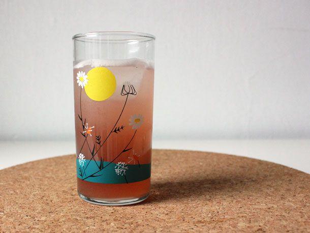2013262-242420-gin-cremeyvette-lemonade.jpg