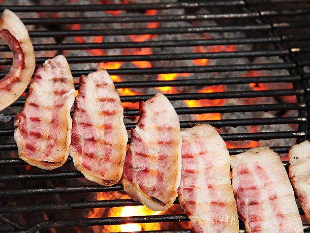 20140421-grilled-chicken-sandwich-colombian-bacon-potato-chip-green-sauce-recipe-02.jpg
