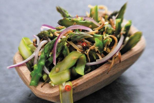 20120417-202135-asparagus-kerabu.jpg