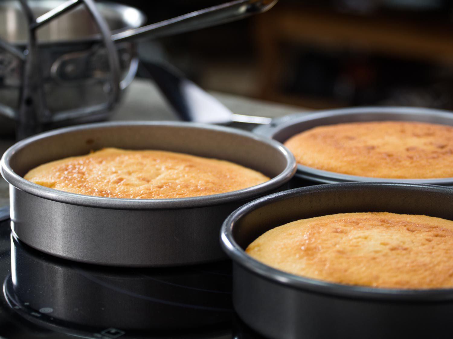 Cake layers in cake pans