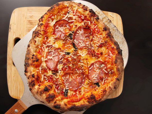 20130410-kettle-pizza-baking-steel-pizza-15.jpg