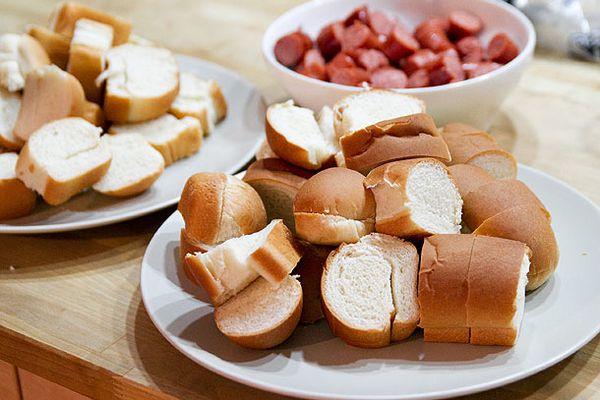 20130716-hot-dog-bun-taste-test-primary2.jpg