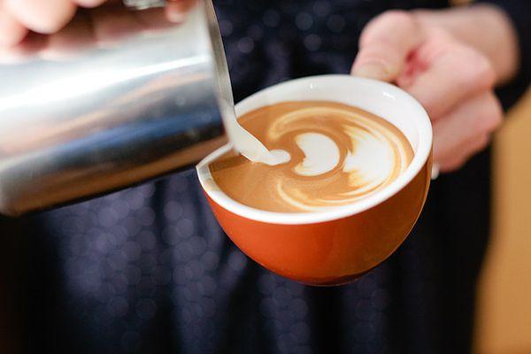 latte art tulip