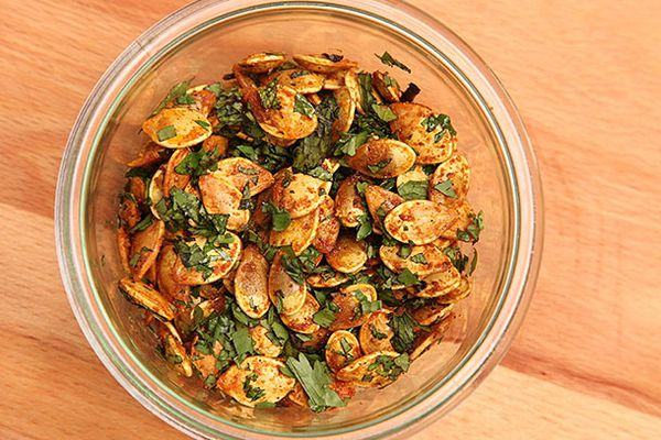 Pumpkin Seeds With Curry and Mint