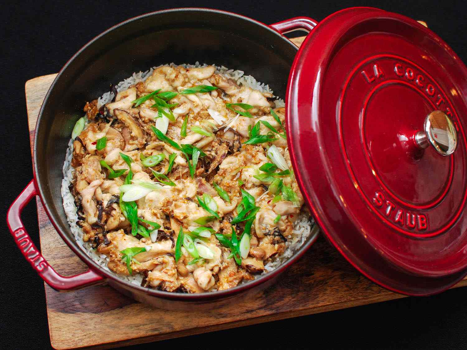 Clay Pot Rice With Spicy Sausage and Mushrooms