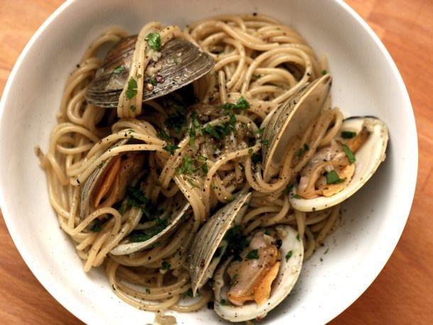 20110830-dt-clams-alla-vongole.jpg