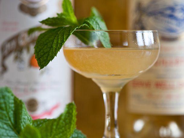 Kentucky Corpse Reviver cocktail