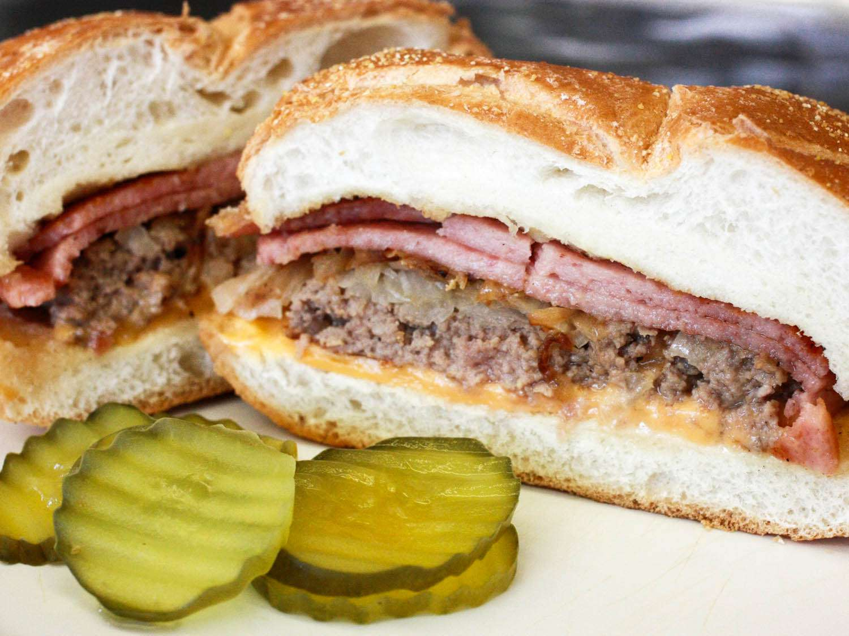 20140921-pork-roll-white-rose-jersey-burger-drew-lazor.jpg