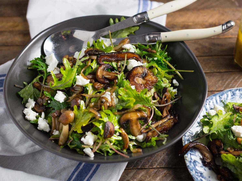 20161102-Kale-and-Wild-Mushroom-Salad-nerds-with-knives-2.jpg
