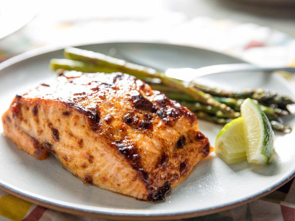 20170420-baked-salmon-harissa-lime-aioli-vicky-wasik-10.jpg