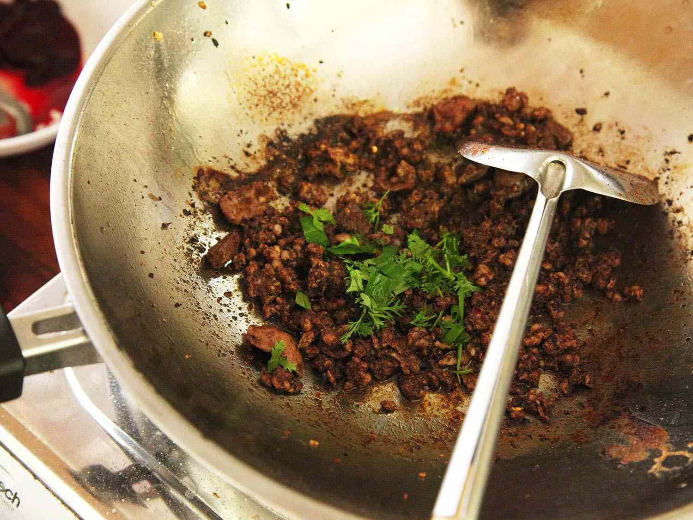 20140707-small-house-thai-cooking-school-larb-moo-muang-3.jpg