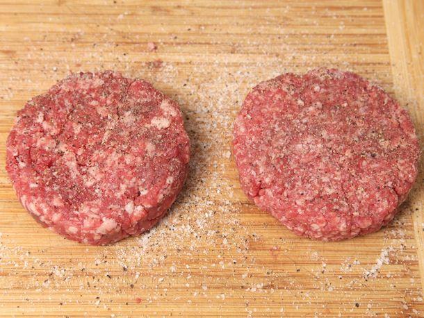 20130816-burger-grind-food-lab-10.jpg