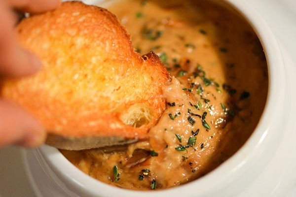 20140121-280747-french-onion-soup-cheese-dip.jpg