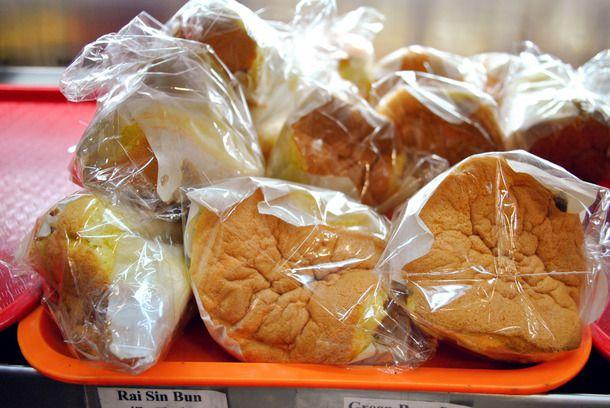 20141001-chinese-bakery-sweets-yummy-yummy-bakery-sponge-cake-thumb-610x408-400799.jpg