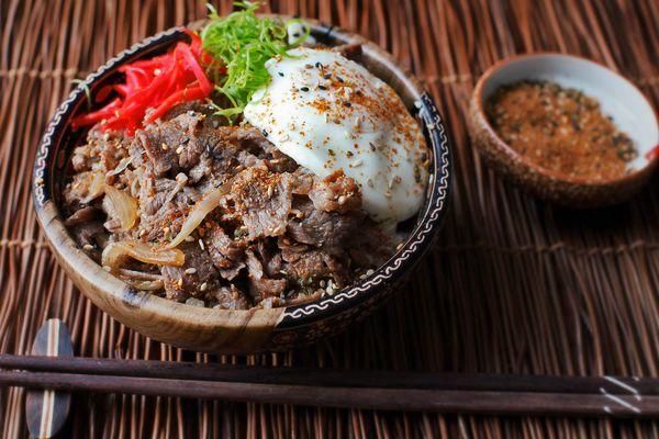 20160711-gyudon-beef-rice-bowl-japanese-recipe-16.jpg
