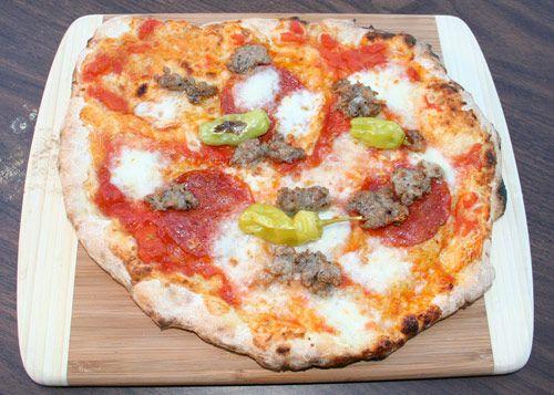 20100504-mpo-swong-carnivore-pizza-with-peperocini.jpg