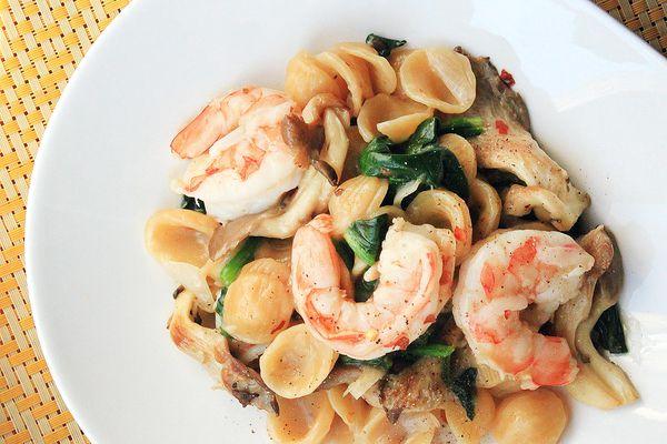 20140421-one-pot-wonders-shrimp-pasta2.jpg