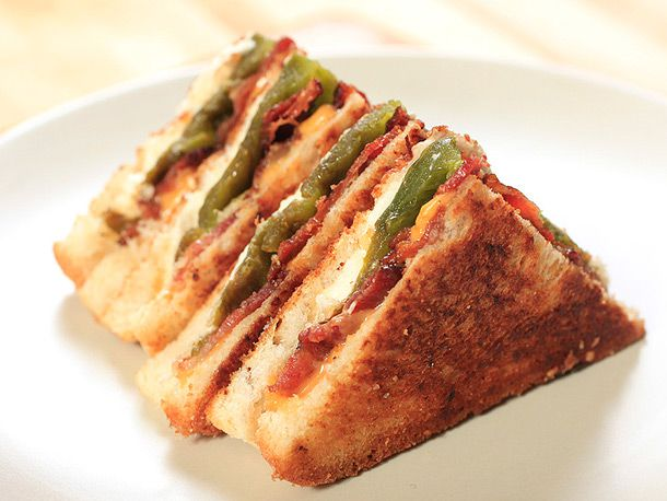20120411-grilled-cheese-variations-popper-.jpg