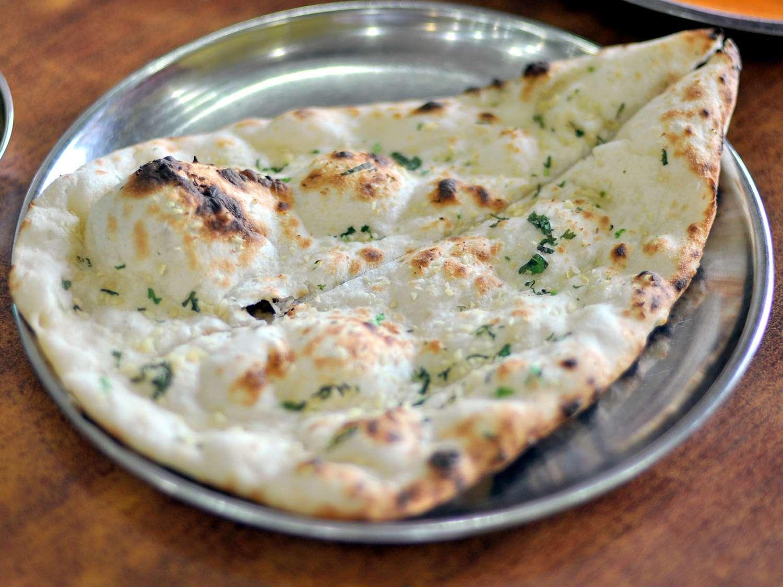 20150424-Jaggis-garlic-naan-Pooja-Makhijani.jpg