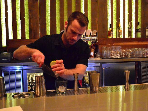 20131218-bartender-pait.JPG