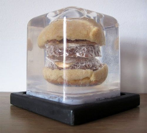 20110829-burger-lucite.jpg