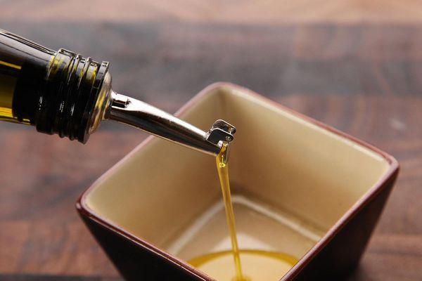 20150328-olive-oil-pourer-review-1.jpg