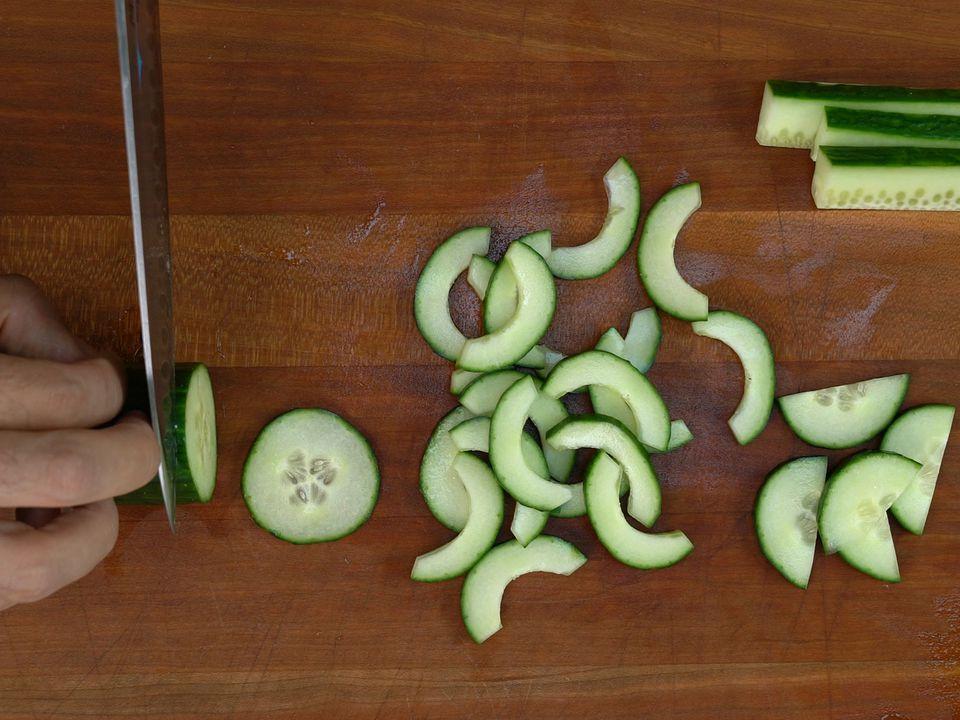 20170919-cucumber-knife-skill-vicky-wasik 2.jpg