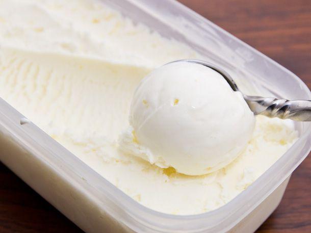 20121217-mascarpone-lemon-gelato-1.jpg