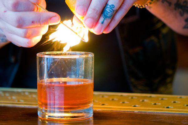 20120121-188899-haddingtons-austin-cocktail-duck_fat_sazerac.jpg