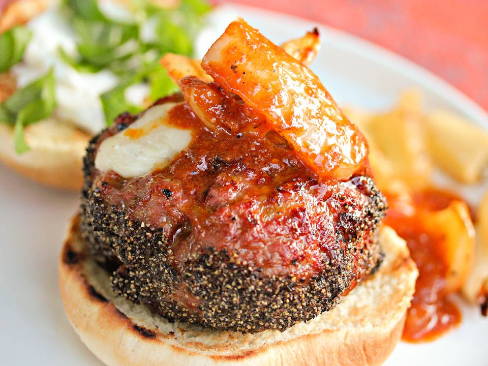 20140918-Serious-Eats-Mozzarella-Stuffed-Pepper-Crusted-Italian-Sausage-Burgers-Jennifer-Olvera1.jpg