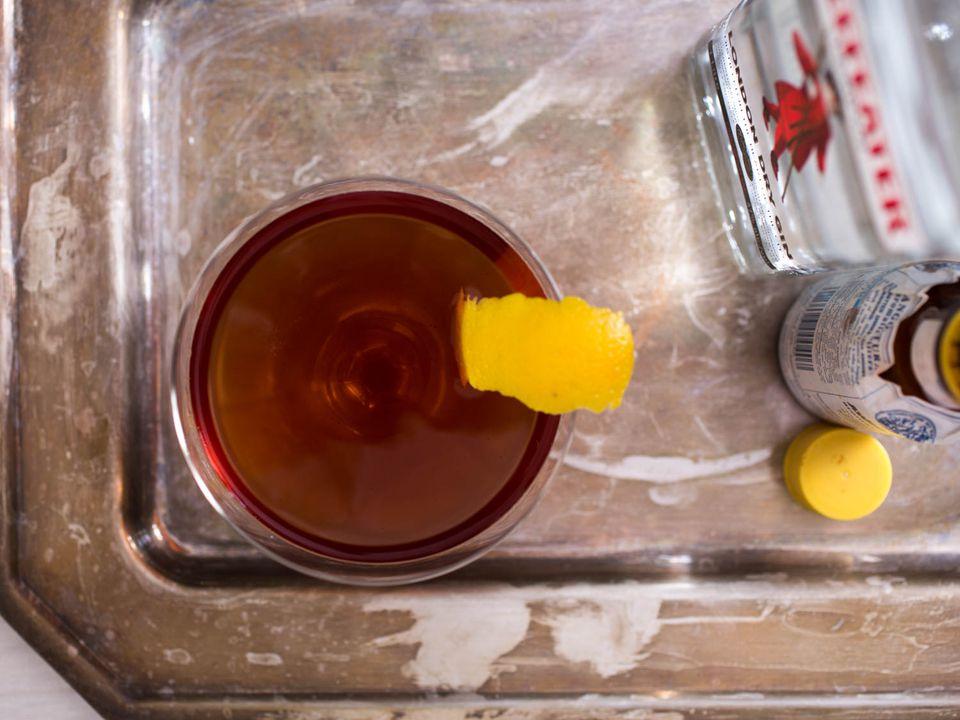 20150622-3-ingredient-cocktail-brown-gin-vicky-wasik.jpg