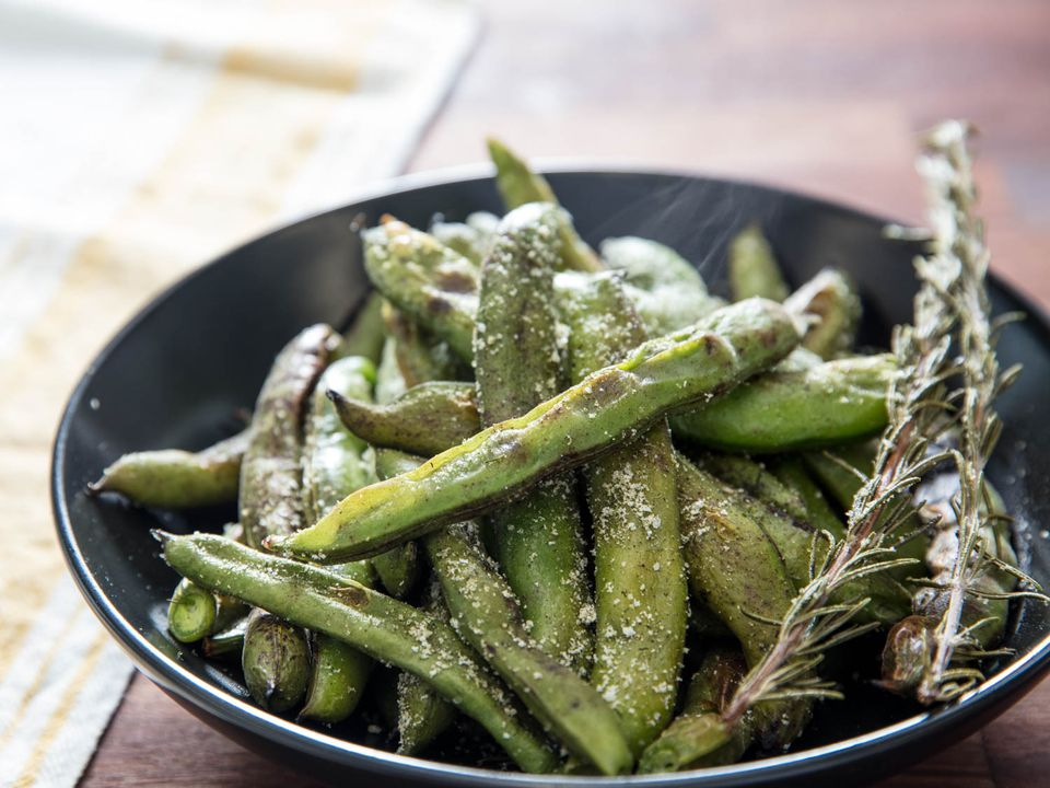 Broiled fava beans with dill and garlic salt