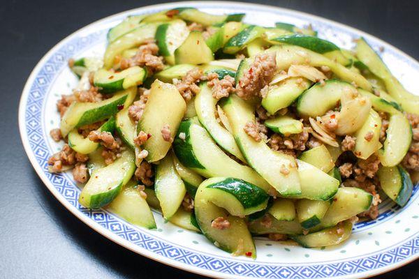 20150424-stirfry-cucumber-with-spicy-ground-pork-shao-zhong-10.jpg