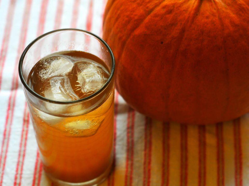 20141110-thanksgiving-cocktails-michael-dietsch-10.jpg